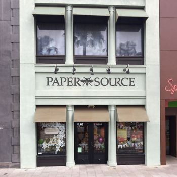 paper source locations Paper source is a premier paperie and retail store offering a unique selection of  fine and artisanal papers,  location: 220 boylston st, chestnut hill, ma 02467.